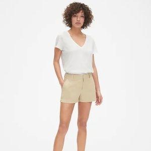 "NWT 3"" GAP City Shorts"